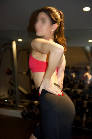 Nadya escort in Fairborn, happy ending massage