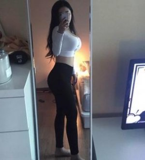 Ghalia erotic massage in Floral Park and live escort