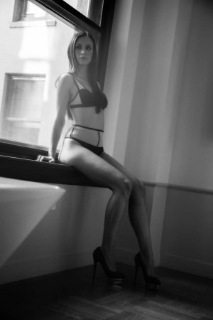 Floryse escort girl in Watertown Town & nuru massage