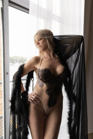 Chryslaine happy ending massage & live escort