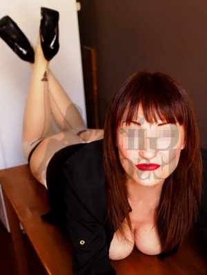 Luce-marie thai massage and escort girl