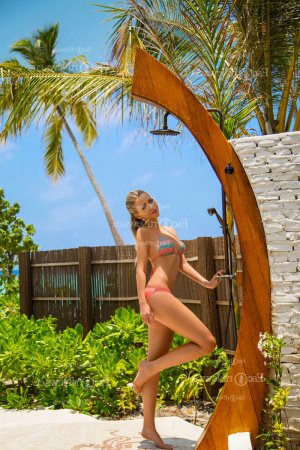 Martyna erotic massage in Coral Hills & call girl