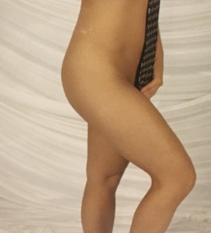 Adjoua live escorts in Durham NC, nuru massage