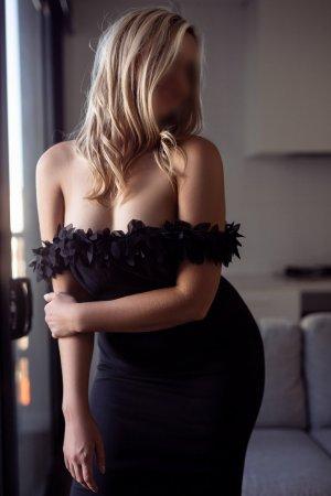 Marlyse thai massage and live escort