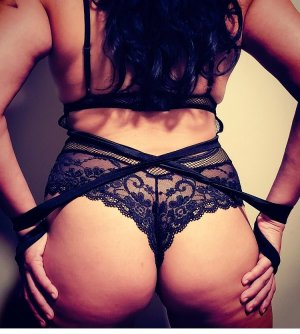 Nedjema escort girl in Georgetown & massage parlor